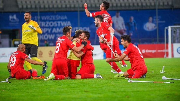 2021 Avrupa Şampiyonası finalinde İspanya'yı 6-0'lık skorla deviren Ampute Futbol Milli Takımı şampiyon oldu