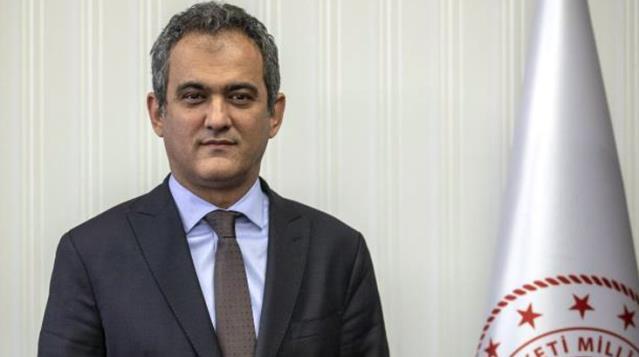 Ziya Selçuk'un yerine yeni Milli Eğitim Bakanı olarak seçilen Prof. Dr. Mahmut Özer kimdir?